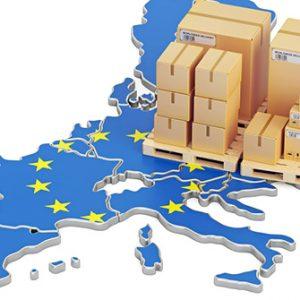 Palette mit Kartons auf EU-Karte