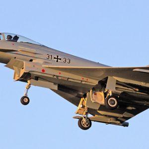 Deutsches Kampfflugzeug in der Luft