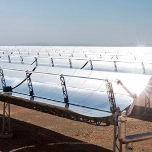 Solarkollektoren in der Wüste