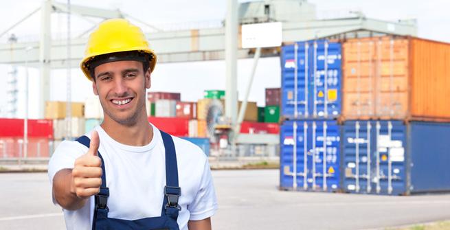 Arbeiter am Hafen gibt ok