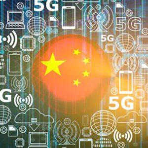 Chinesische Flagge vor 5G-Konzept