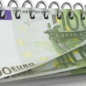 Kalender aus Geldscheinen