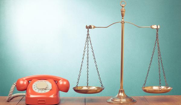 Telefon und Waage