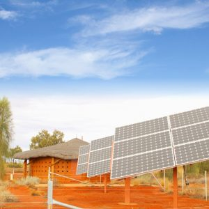 Solarpanele vor Hütte Afrika