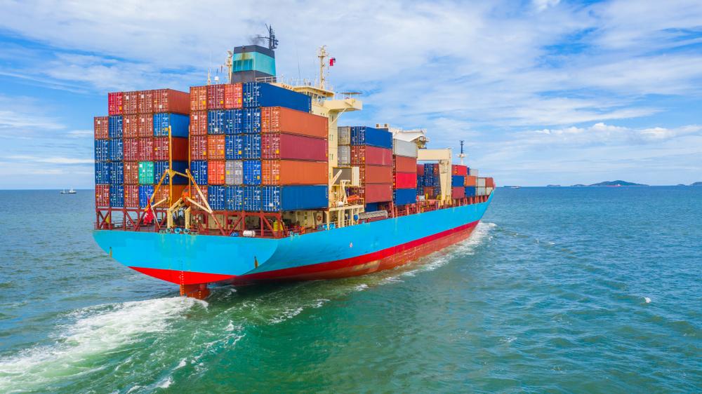 Containerschiff auf See