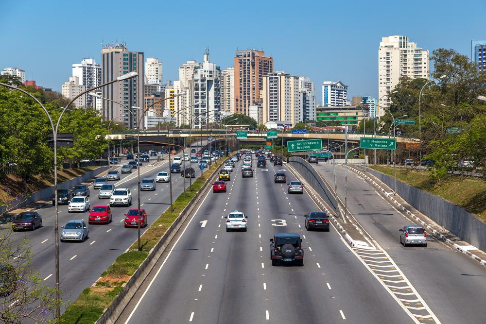 Straße in das Zentrum Sao Paulos